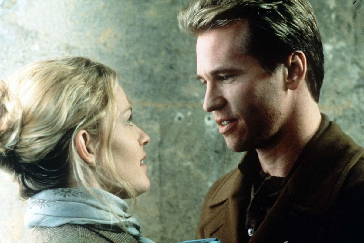 Val Kilmer in The Saint with Elisabeth Shue.
