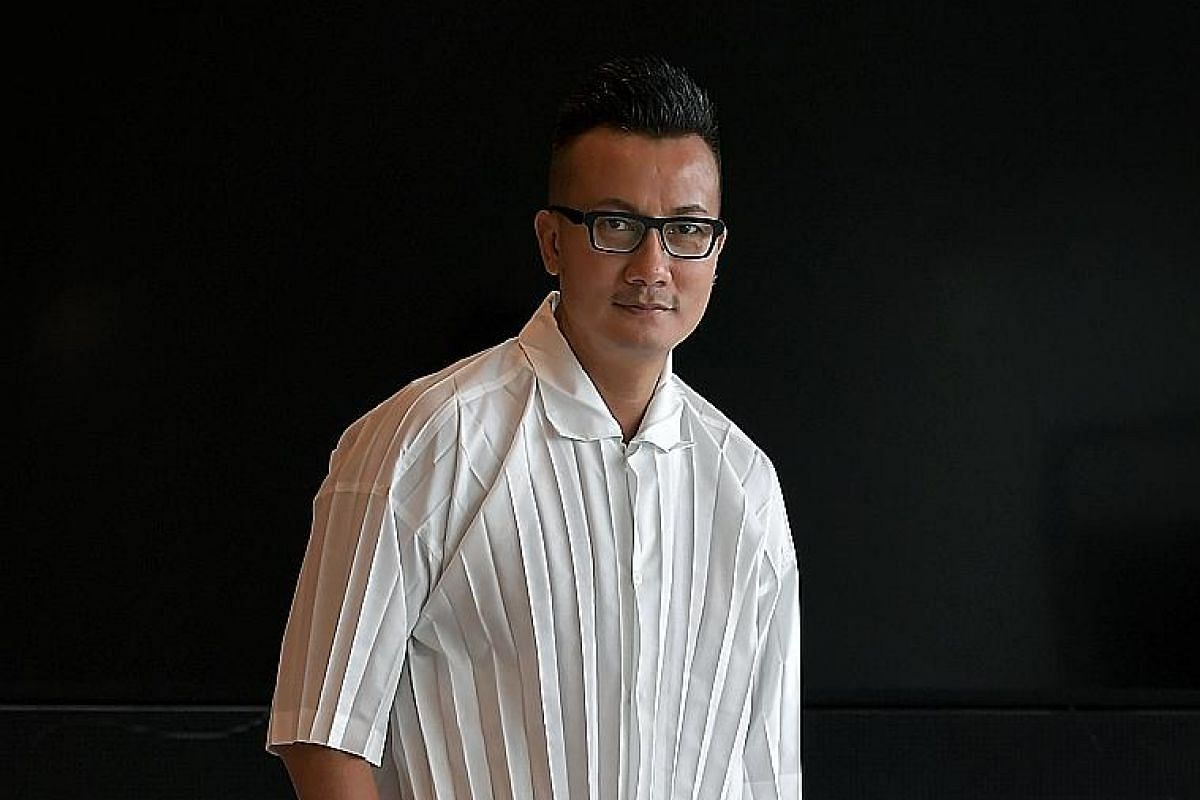 It took Chen Hanwei three years to be offered a lead role, in the drama series Behind Bars (1991), after getting into the finals of the inaugural Star Search TV talent contest in 1988.