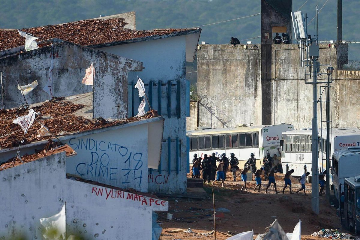 Some 200 prisoners are embarked on buses to be transferred from the Alcacuz Penitentiary Center to other prisons in Rio Grande do Norte, Brazil.