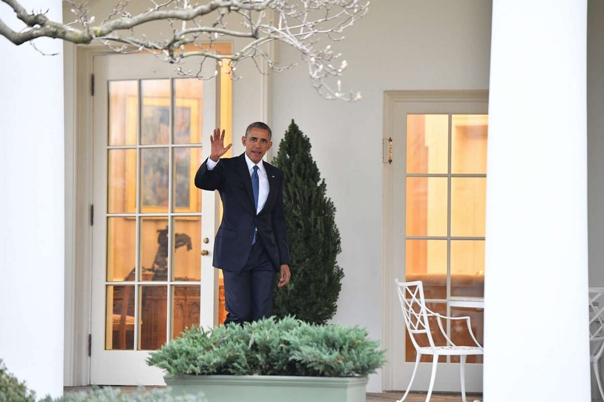 US President Barack Obama waves as he leaves the White House for the final time on Jan 20, 2017.
