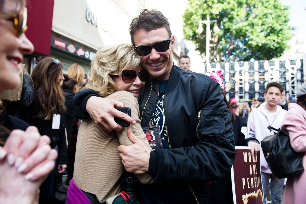 Actress Jane Fonda and actor James Franco attend the Women's March in Los Angeles on Jan 21, 2017.