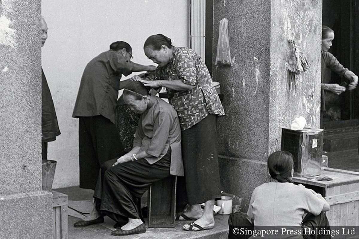 1967: Elderly women in Chinatown getting their hair done in preparation to welcome the New Year.