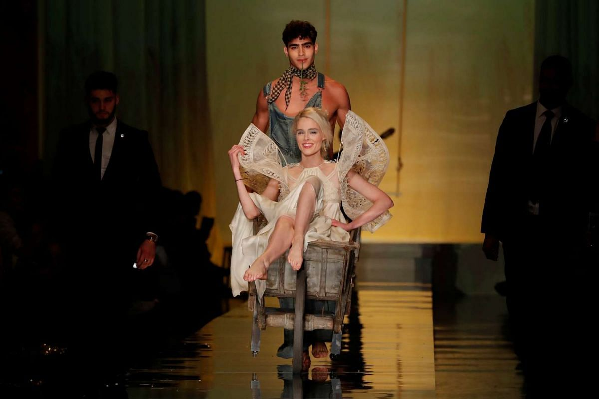 Model Coco Rocha presents a wedding dress creation by French designer Jean Paul Gaultier as part of his Haute Couture Spring/Summer 2017 collection in Paris, France, January 25, 2017. PHOTO: REUTERS