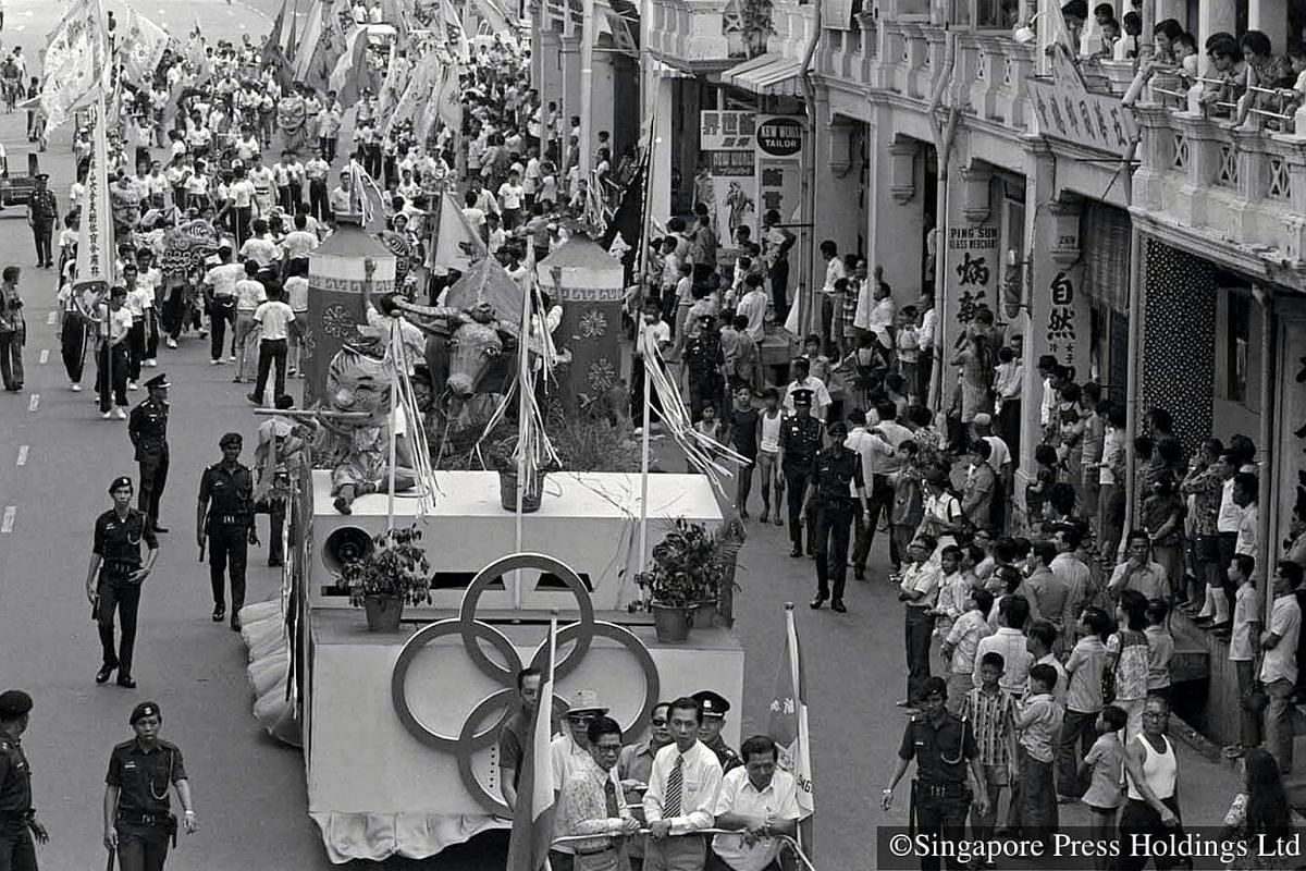1973: Chingay parade is held for the first time. The procession is led by a float bearing a statue of a bull and two giant firecrackers. The parade is organised by the People's Association and the Singapore National Pugilistic Federation to celebra