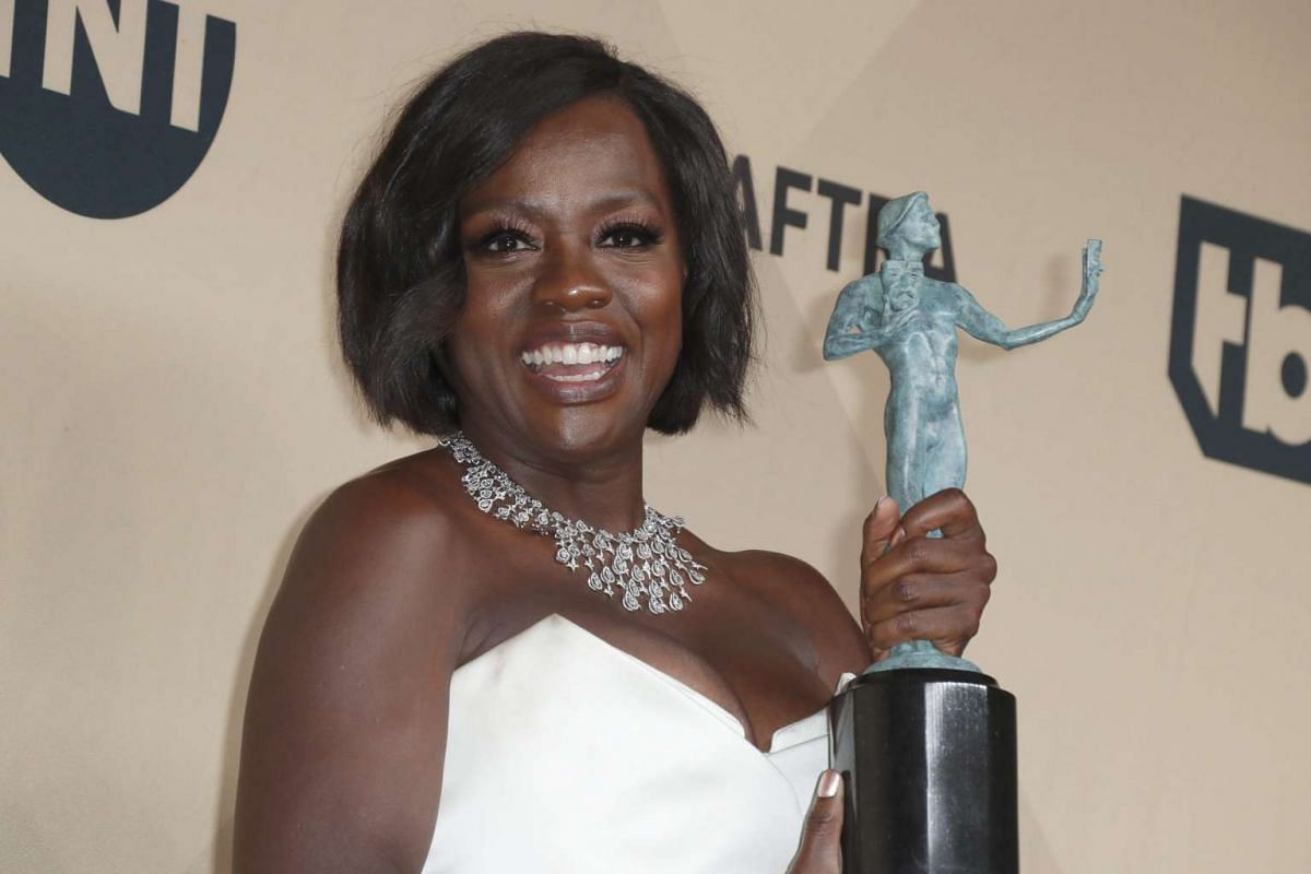 Viola Davis poses with her SAG Award for Outstanding Performance by a Female Actor in a Supporting Role for Fences at the Shrine in Los Angeles, California, on Jan 29, 2017.