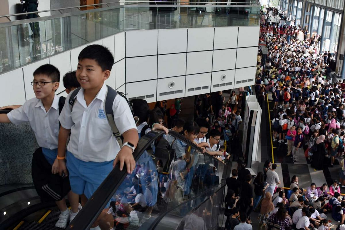 Many pupils arrived at Suntec Singapore Convention & Exhibition Centre for the preliminary round of the RHB-The Straits Times National Spelling Championship well before the start of registration at 8am on Mar 26, 2016.