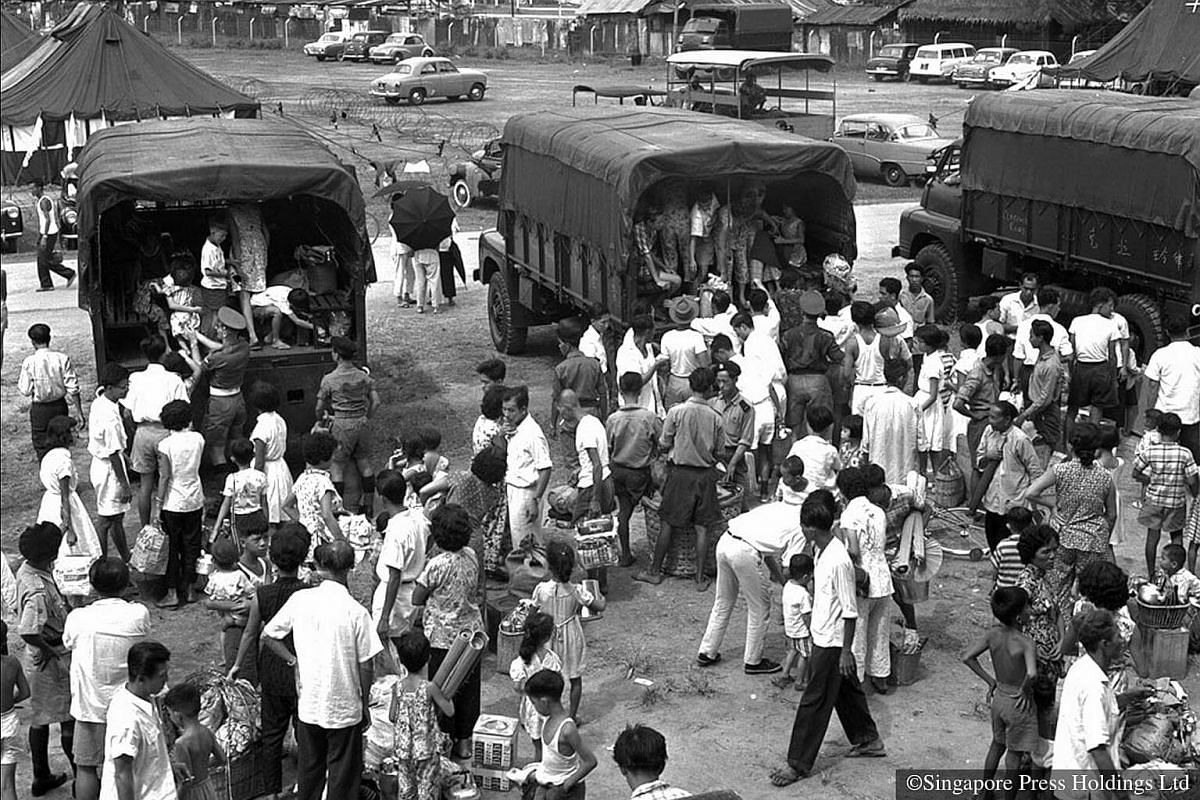 """1961: On 25 May 1961, a massive fire in Bukit Ho Swee left thousands homeless. """"Operation Shift"""" began, in a move to place over 1000 affected families to HDB flats in Queenstown, Tiong Bahru, Alexandra and Kallang area from the relief centre. The Buk"""