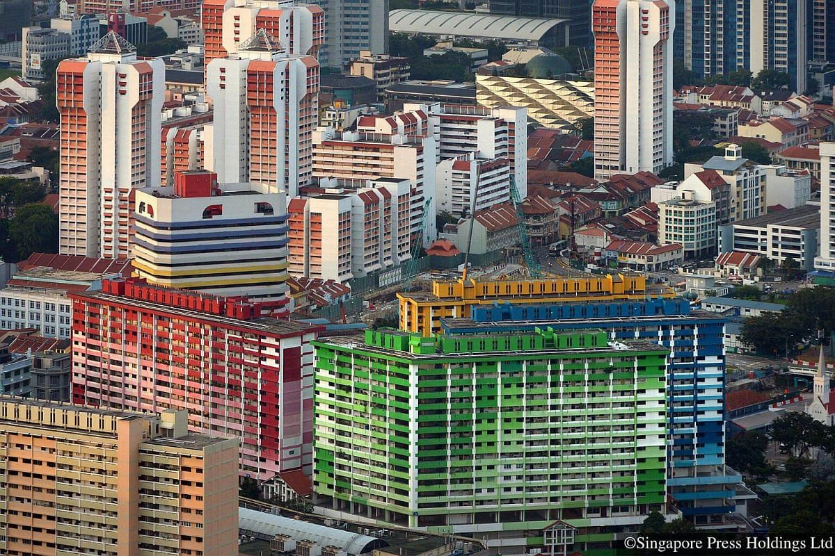 2010: Rochor Centre (foreground) and high rise HDB flats in the Little India area. Rochor Centre, an HDB development of flats, eating houses and shops to be demolished in 2017. Most of the residents chose to move to newly completed Kallang Trivista a