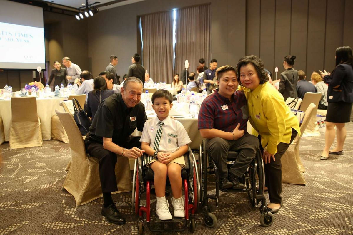 (Left to right) Colin Schooling, Jeremiah Liauw (a fan of both Theresa Goh and Yip Pin Xiu), Theresa Goh and May Schooling.