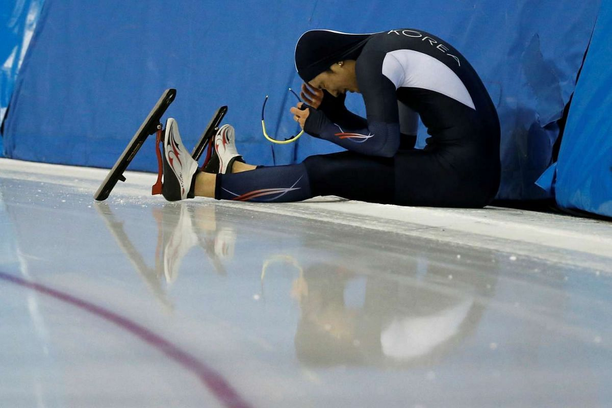 Kim Jin-Su of South Korea reacts after falling at the Asian Winter Games, on Feb 21, 2017.