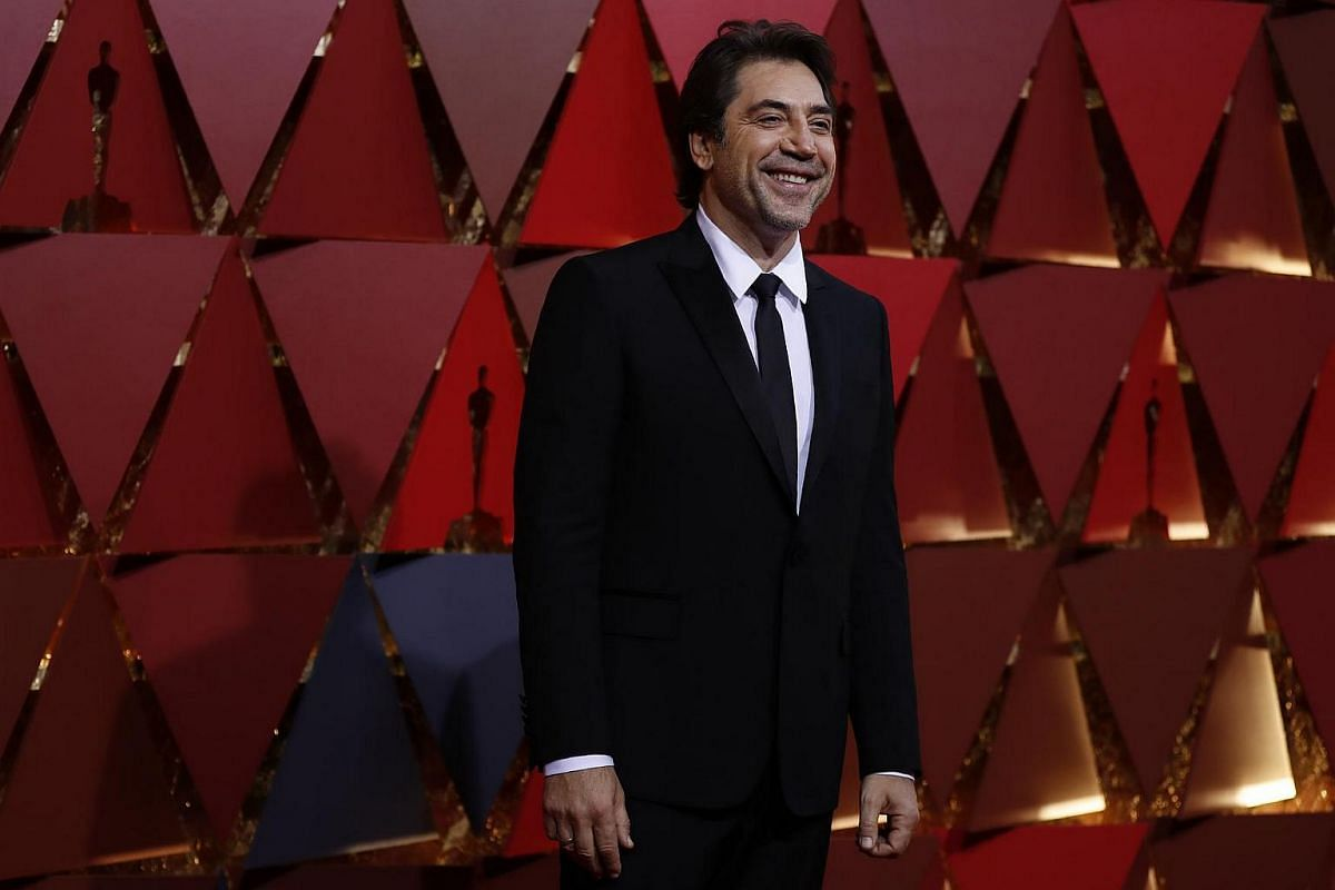 Javier Bardem arriving on the red carpet for the 89th Oscars, on Feb 26, 2017.