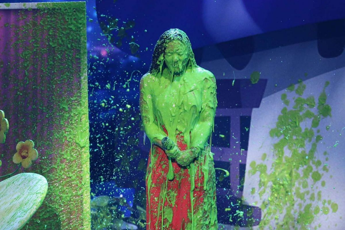 "Singer Demi Lovato  ""slimed"" during the 2017 Kids' Choice Awards show in Los Angeles, California, U.S. on March 11, 2017. PHOTO: REUTERS"