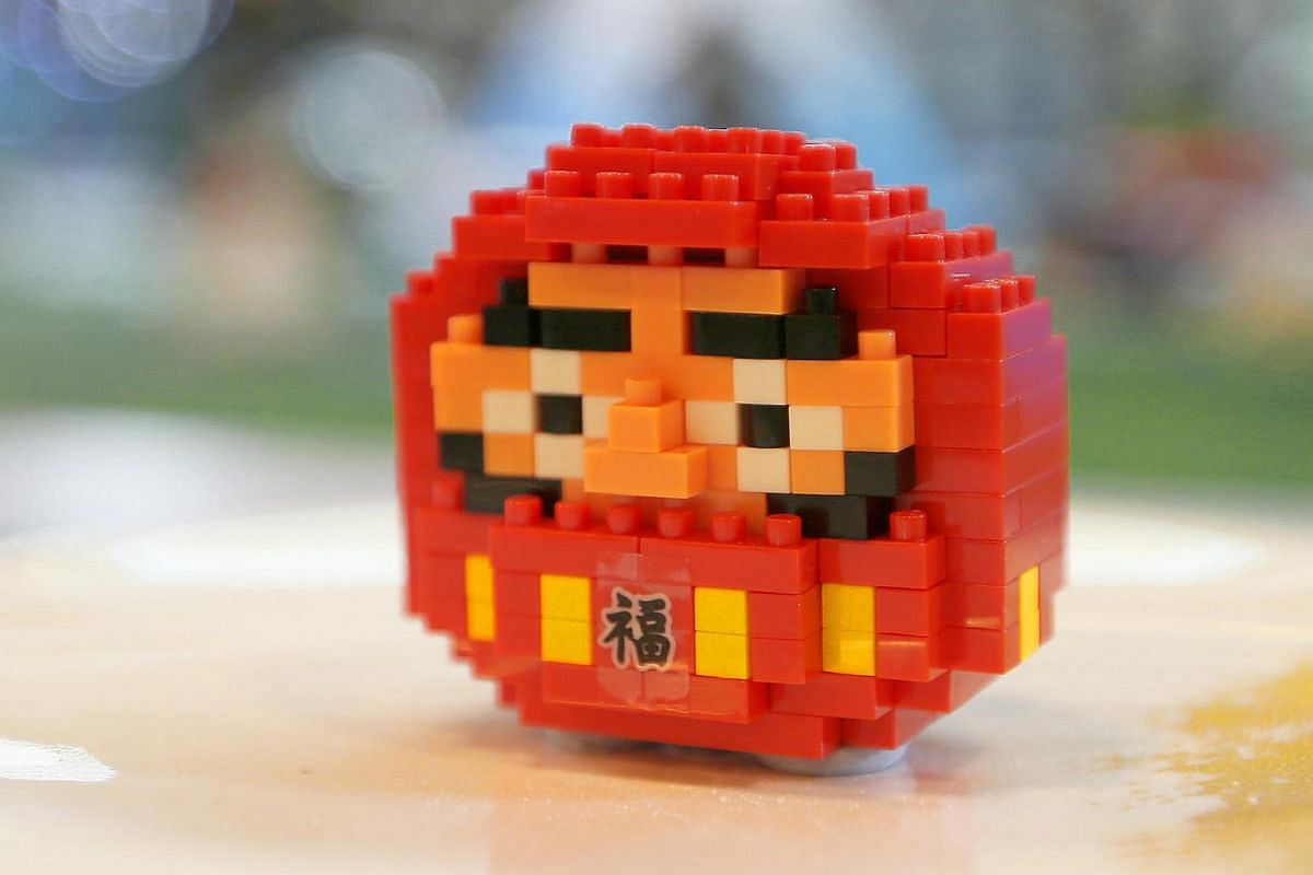 A nanoblock model of a Daruma doll, which was modelled after the founder of Zen sect of Buddhism. It is also known as a wishing doll. It is made up of 180 nanoblock pieces.