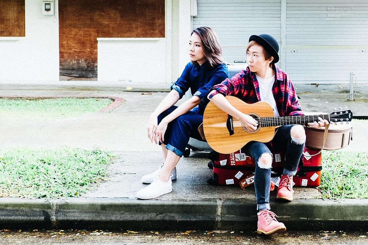 Carrie Yeo (left) and Chen Diya of The Freshman learnt the importance of publicity after a dismal turnout during their performing tour in Taiwan five years ago.