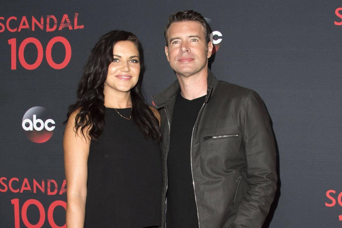 Actor Scott Foley turned up with his wife, actress Marika Dominczyk.