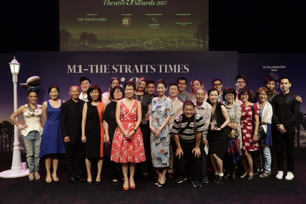 The winners of the 2017 M1-The Straits Times Life Theatre Awards pose for a group photo with Minister for Culture, Community and Youth Grace Fu.