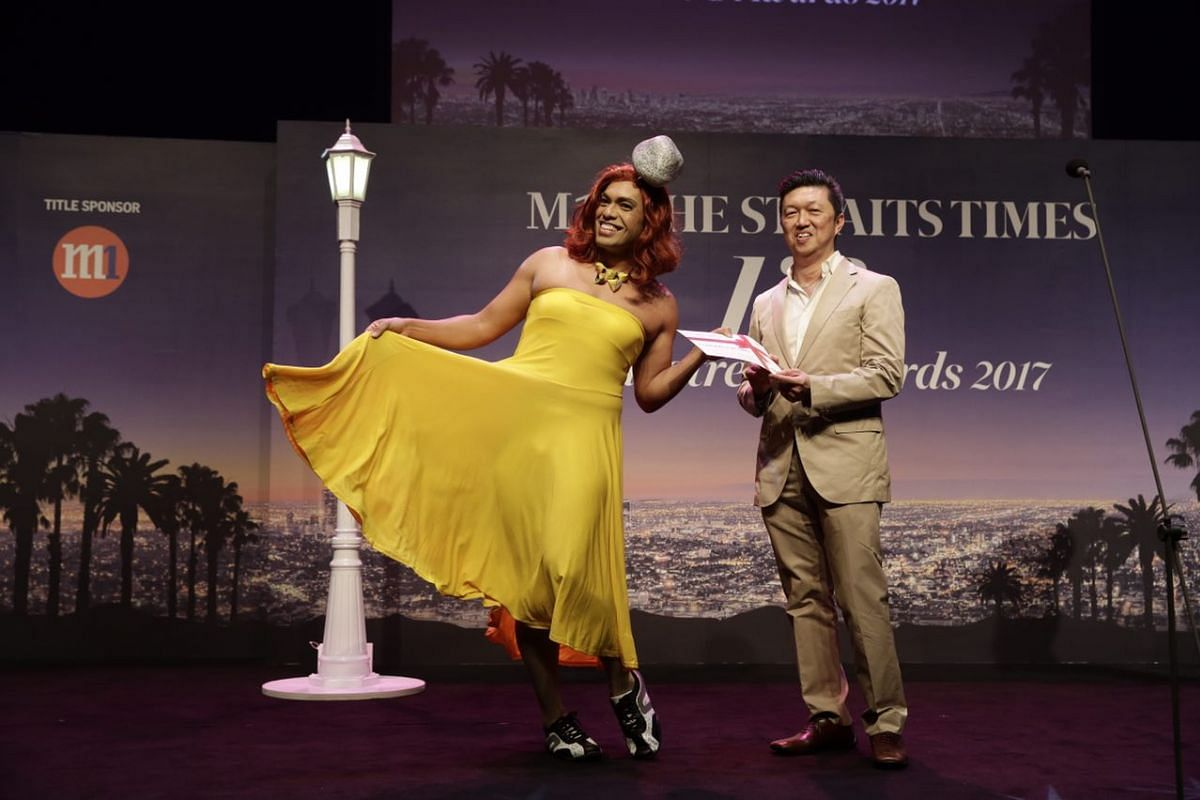 Dwayne Lau, dressed as Emma Stone's character Mia in La La Land, wins best dressed. The prize sponsored by M Social was a dinner voucher for 2 persons worth $200, to be used at the hotel's Beast & Butterflies restaurant.
