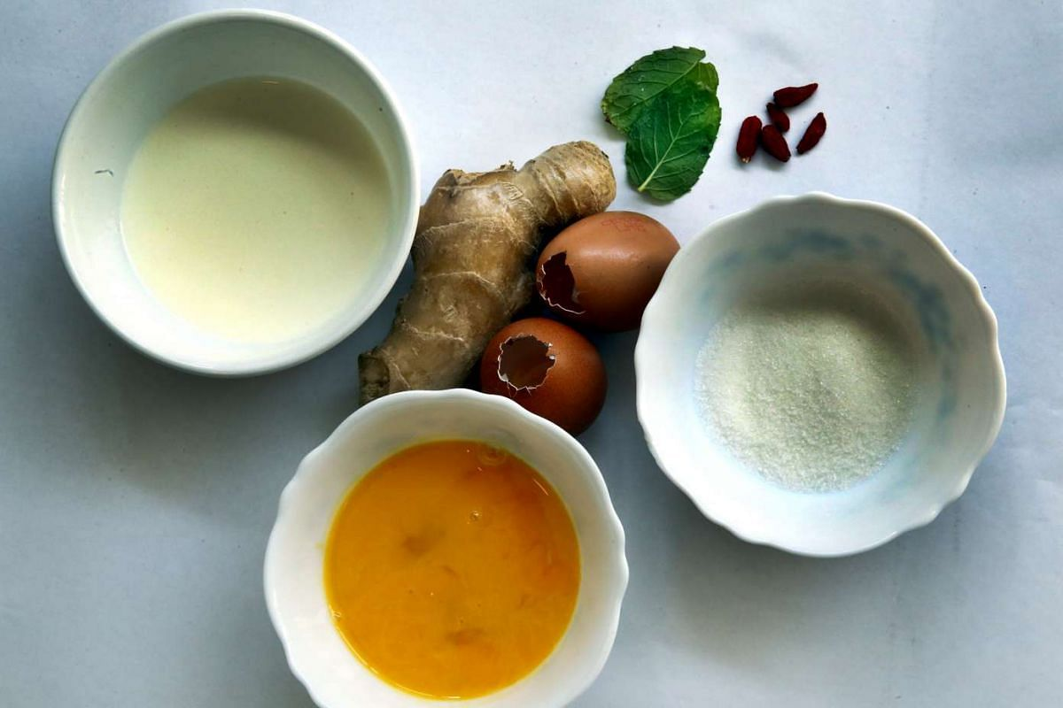 Ingredients for steamed egg pudding include ginger, sugar and fresh milk.