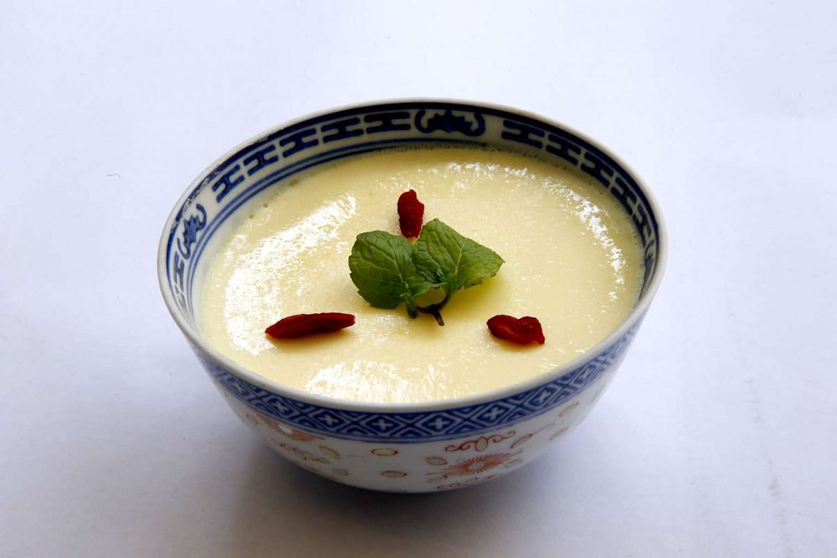 Steamed egg pudding with wolfberries.