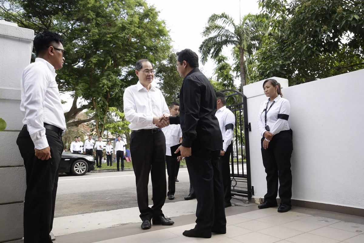 Minister for Trade and Industry (Trade) Lim Hng Kiang arriving at Kew Avenue.