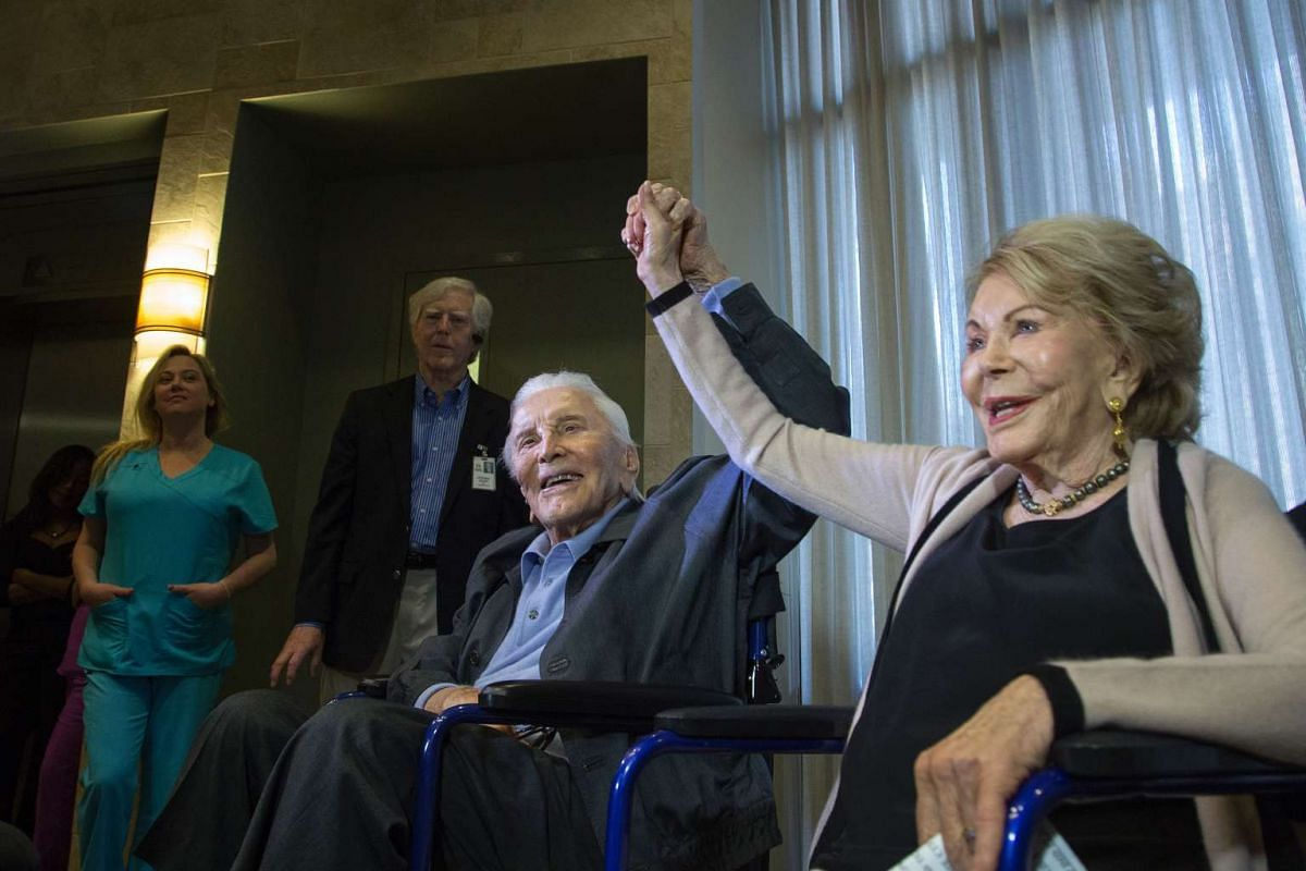 Actor Kirk Douglas, 100 years old, and wife Anne celebrate the 25th Anniversary of the Anne Douglas Center for Women, at the Los Angeles Mission on Skid Row, on May 4, 2017 in Los Angeles, California.  The couple will celebrate their 63rd anniversar