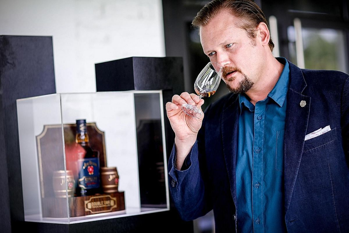 Jim Beam's American whiskey ambassador Adam Harris recommends having Double Oak in a Boulevardier or Manhattan cocktail to capitalise on the extra flavour.