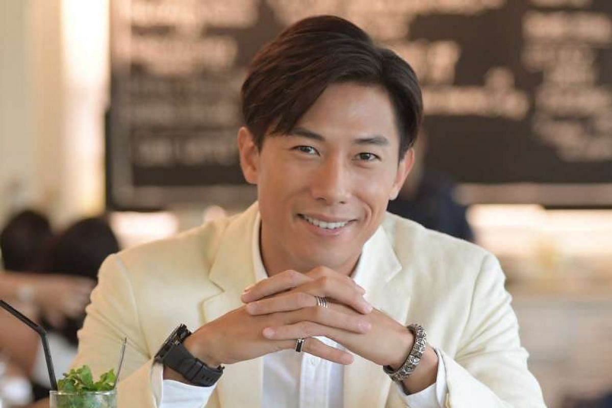 Actor Desmond Tan has learnt to deal with people watching him eat in public.