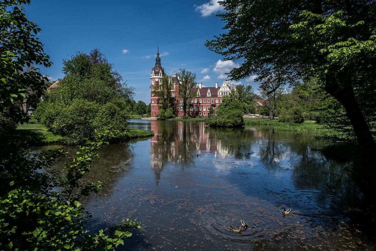 A view of Muskau palace from across the pond.