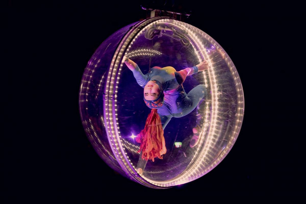 """A performer during the final showing of the Ringling Brothers and Barnum & Bailey circus at the Nassau Veterans Memorial Coliseum in Uniondale, N.Y., May 21, 2017. PHOTO"""" THE NEW YORK TIMES"""