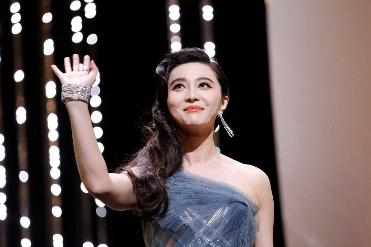 Jury member Fan Bingbing onstage at the closing ceremony.