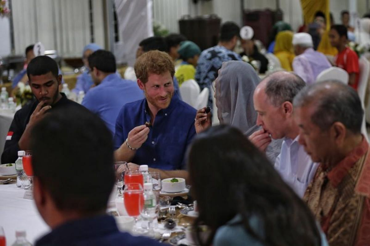 Prince Harry breaking fast with Muslims on Sunday (June 4) at Jamiyah Singapore.