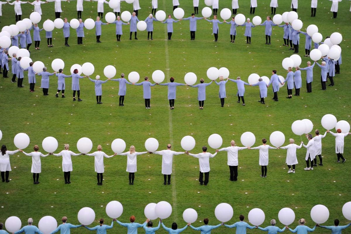 Artists perform at Turnfest gala at Olympic Stadium in Berlin, Germany June 6, 2017. PHOTO: REUTERS