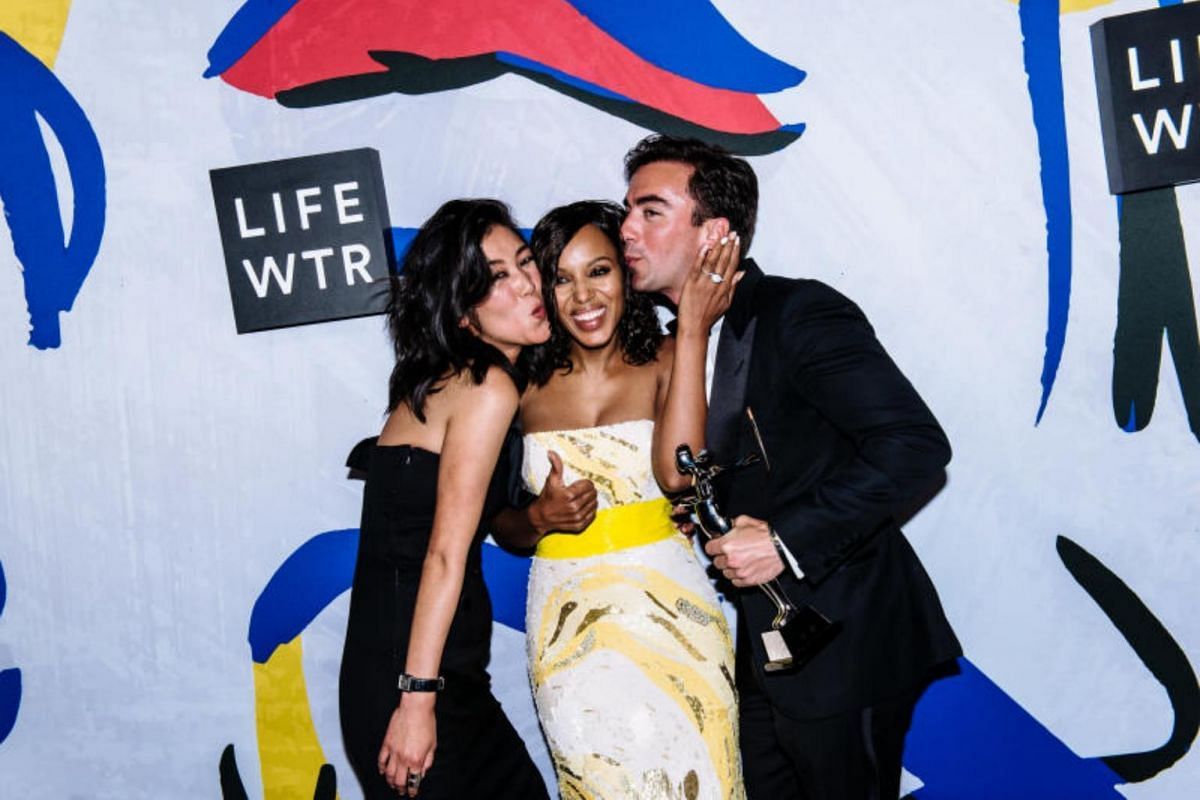 Designer Laura Kim (left) with actress Kerry Washington and fellow Monse label designer Fernando Garcia at the annual Council of Fashion Designers of America awards at the Hammerstein Ballroom in New York.