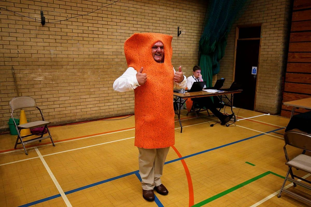 Mr Fishfinger gesturing as ballots are counted at a counting centre for Britain's general election in Kendal, on June 8, 2017.