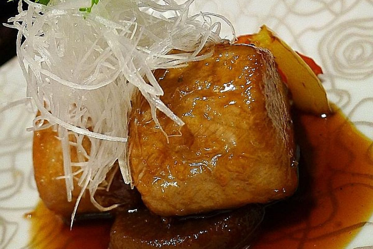 Servings of the Pan-fried Tuna Head (left) and Japanese Saga Wagyu Beef Sirloin A4 (above) are enough for two persons.