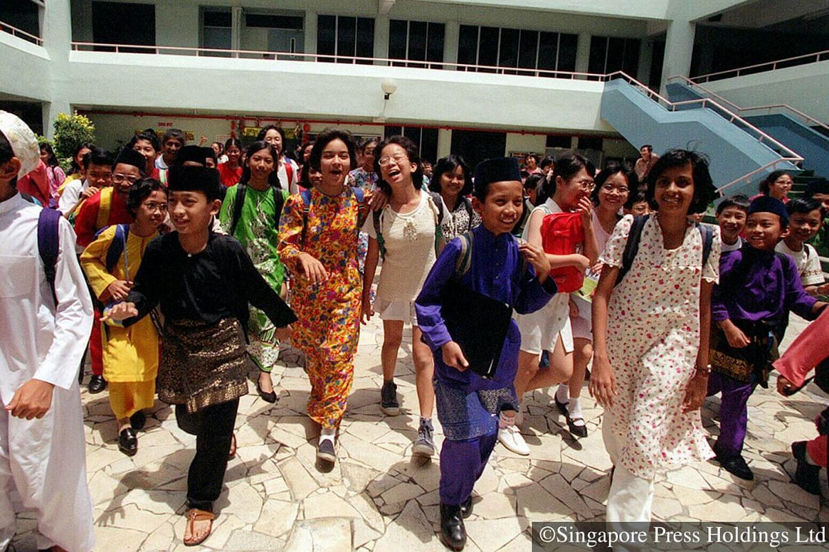 1996: The Islamic lunar calendar consists of twelve months and is about 11 days shorter than the Gregorian calendar, thus Hari Raya Puasa may fall on different dates. These students return to school in their traditional outfits after a  five day brea