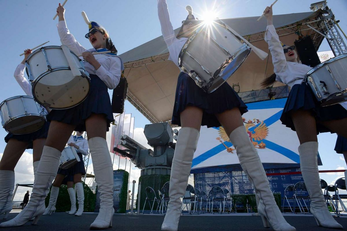 "A band performs during the presentation of the ship-based naval anti-aircraft missile and artillery complex ""PANTSIR-ME"" at the International Maritime Defence Show in Saint Petersburg on June 28, 2017. PHOTO: AFP"