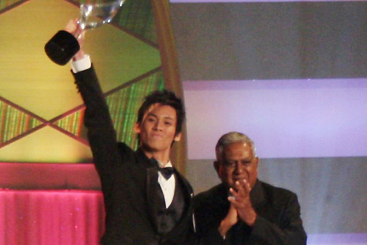 My life so far: Chen (with late Singapore president S R Nathan) being crowned Star Search champion in 2007.
