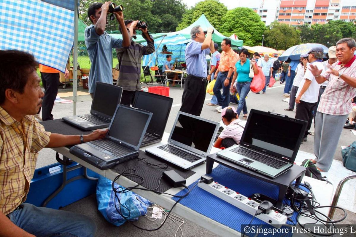 2008: A different kind of IT Fair - Mr Michael Ong reportedly sells an average of 20 second-hand laptops each month.