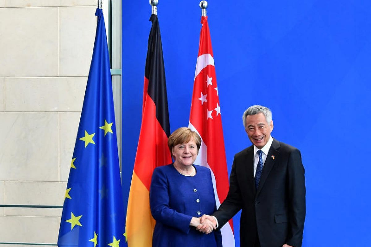 Prime Minister Lee Hsien Loong getting a warm welcome from German Chancellor Angela Merkel on Thursday (July 6, 2017). PM Lee is on a working visit to Germany at the invitation of Dr Merkel, and he will also be attending the G-20 leaders' summit.