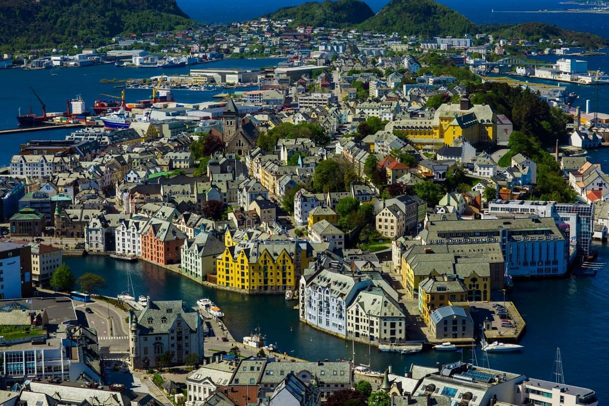 AIesund in Norway. Its diplomats have been mediators in several international conflicts, and it has also helped in the peace process between Israel and the Palestine Liberation Organisation.