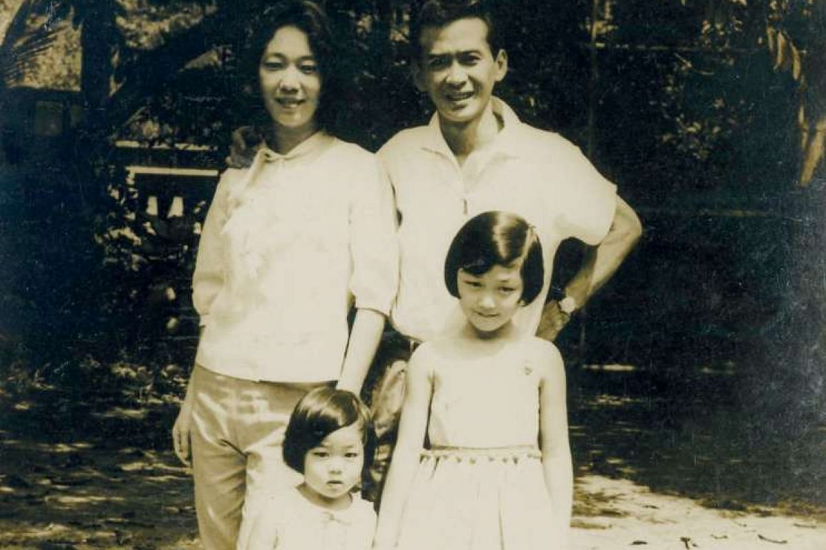 Sumiko Tan with her parents and elder sister in a picture taken in 1966. Over the years, her family, such as her parents and niece and nephew, have been grist for her column.