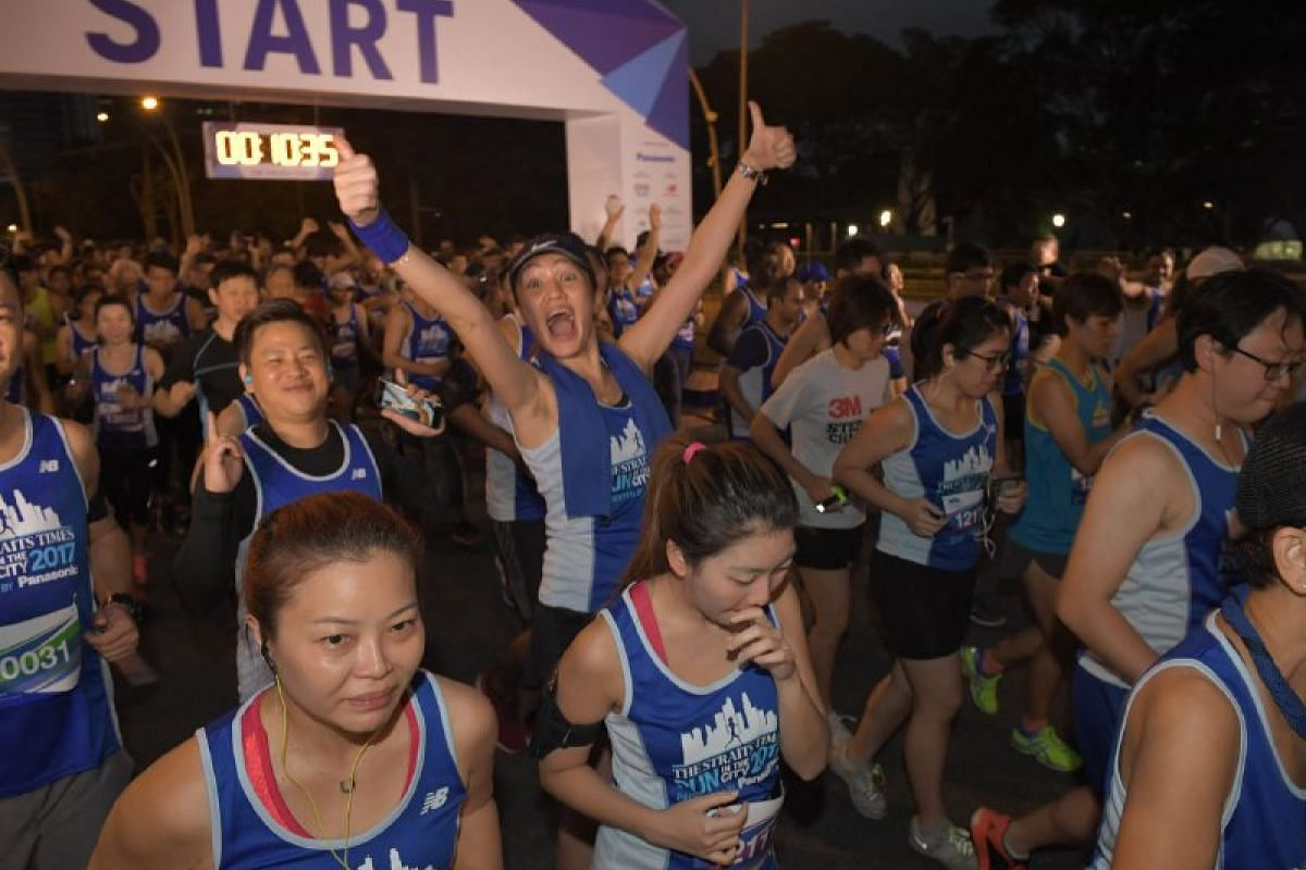 Runners at the flag-off for the 10km race.