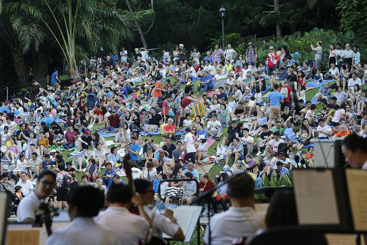The Singapore Symphony Orchestra played a mix of classical and contemporary tunes.
