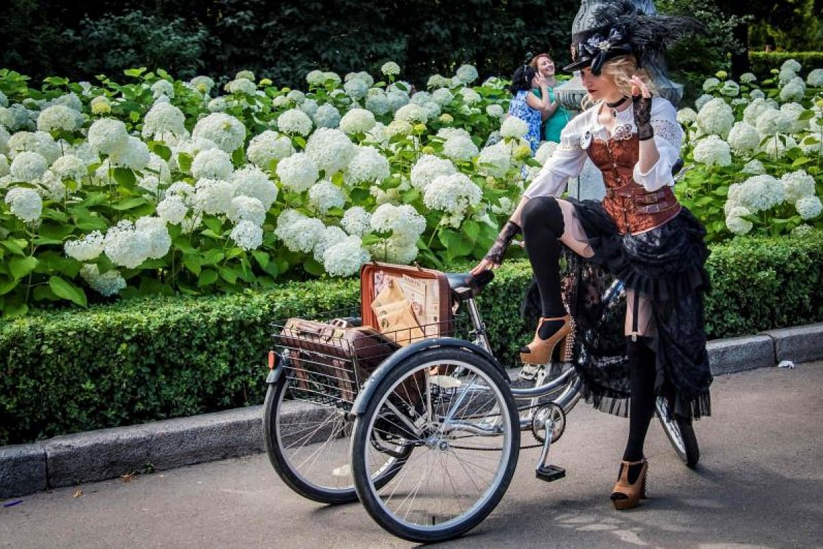 Park goers were brought back in time to enjoy the glamour and romance of a bygone era.