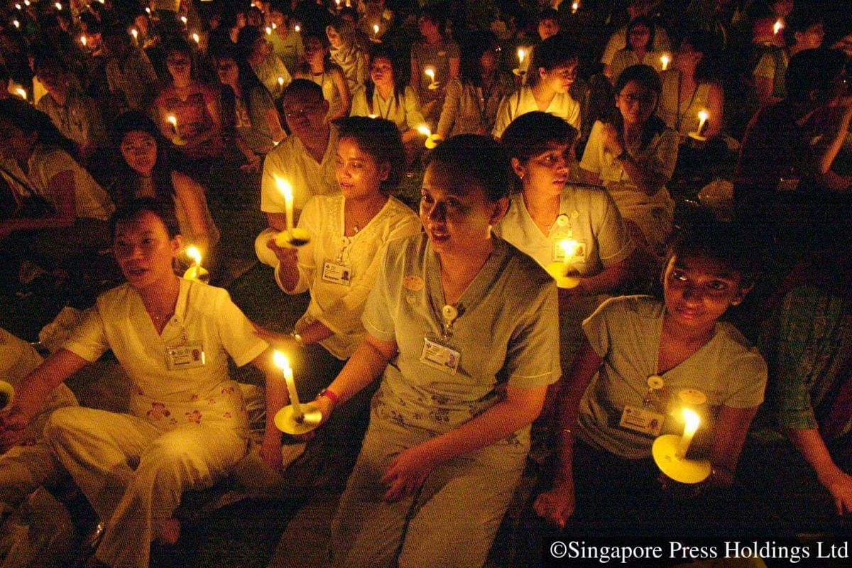 2003: Commemoration ceremony in July for victims and healthcare workers for their efforts in fighting the SARS (Severe Acute Respiratory Syndrome) outbreak earlier in the year. More than 200 people were infected, 33 of whom died. Singaporeans showed