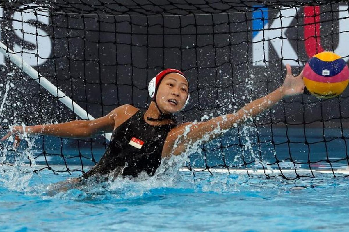 Singapore's golakeeper Eunice Karina Fu Yu Min tries to block a goal against Thailand during the SEA Games 2017 Water Polo events in Kuala Lumpur, Malaysia on Aug 19, 2017.