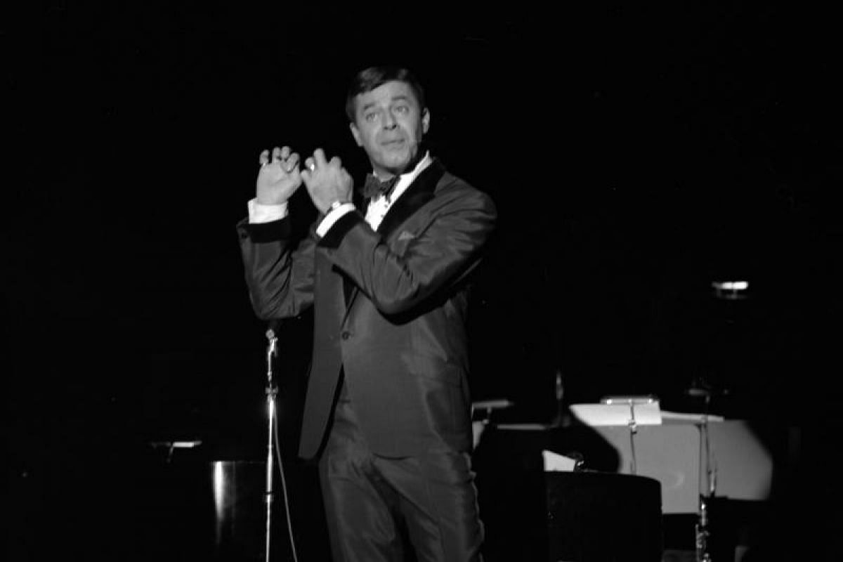 Jerry Lewis performing at the Sands in Las Vegas, Nevada, on Dec 6, 1965.