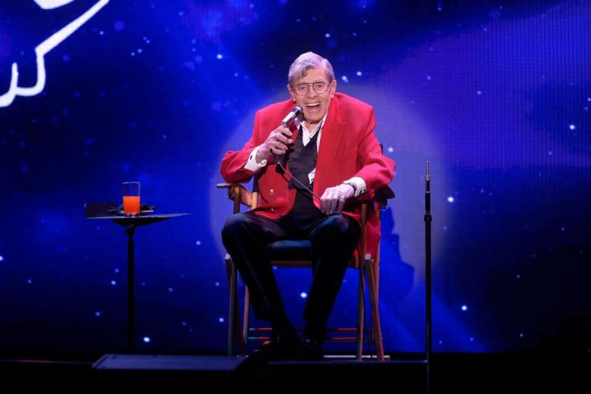 Jerry Lewis onstage during his final performance at the South Point Hotel-Casino in Las Vegas, Nevada, on Oct 2, 2016.