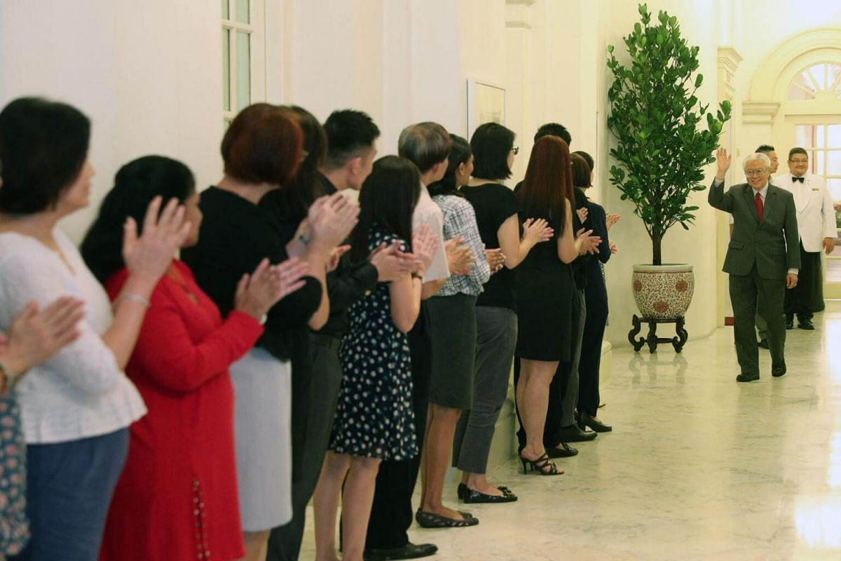 Dr Tony Tan bids farewell to the staff at the Istana on Aug 31, 2017.